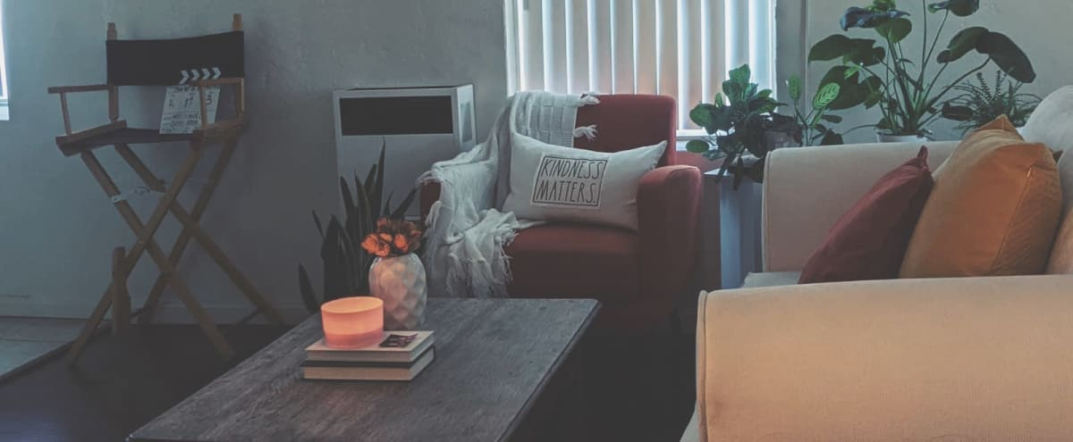 Beautiful Hollywood Studio Apartment with Rooftop in Los Angeles Hero Image in Hollywood, Los Angeles, CA