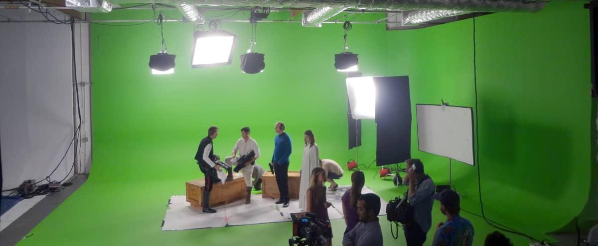Pre-lit 55' Green Screen Studio \ in Glendale Hero Image in Tropico, Glendale, CA