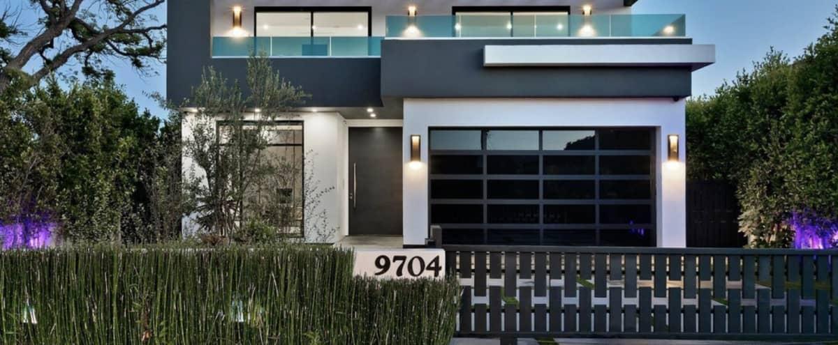 Sleek Luxury Villa In Beverlywood in Los Angeles Hero Image in Pico - Robertson, Los Angeles, CA