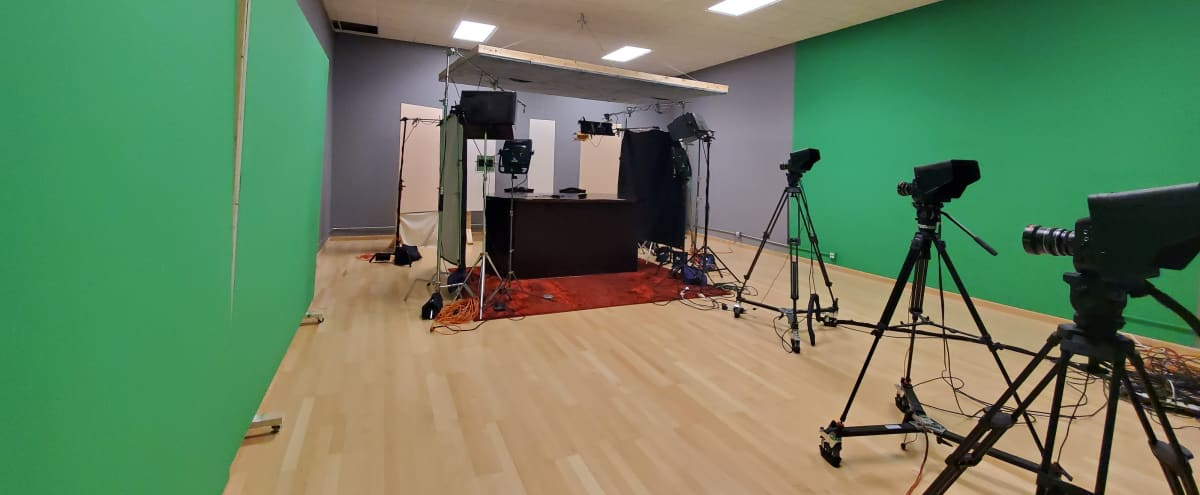 Photo Shoot and Film Studio in Lincolnwood in LINCOLNWOOD Hero Image in undefined, LINCOLNWOOD, IL