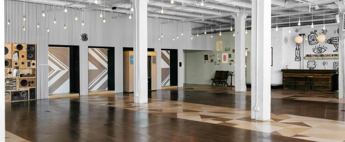Contemporary Loft Space in West Town in Chicago Hero Image in West Town, Chicago, IL