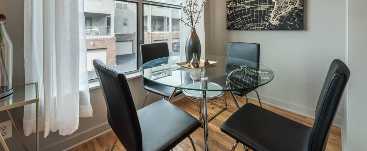 Downtown Roomy Condo Located In The Arts District Of Historic Castleberry Hill