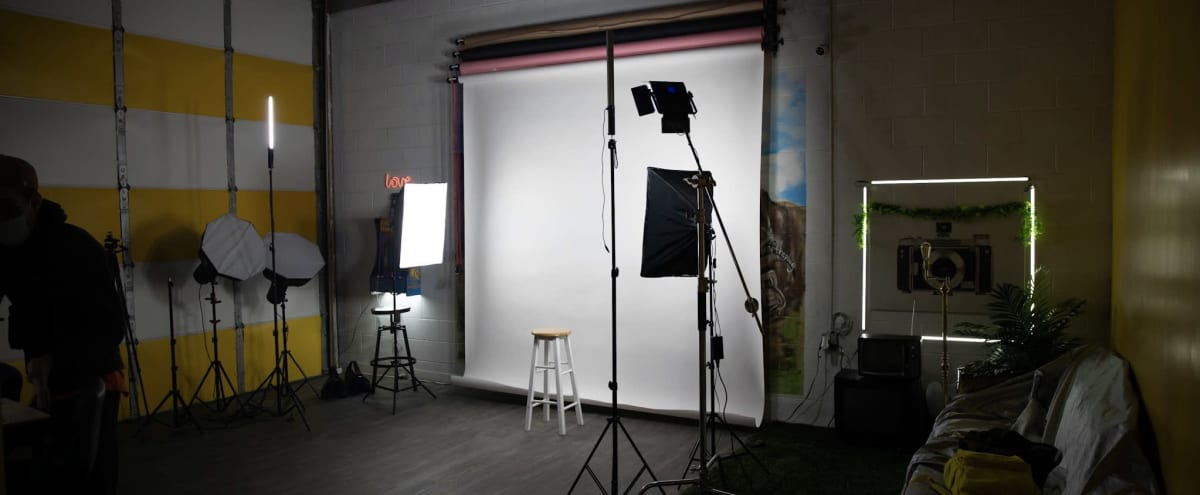 Spacious Photography / Film studio with Garage Door Access in Fort Washington Hero Image in undefined, Fort Washington, MD