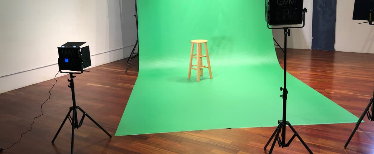 Studio with 10x20 Vinyl Green Screen and White Backdrop in Detroit Hero Image in undefined, Detroit, MI