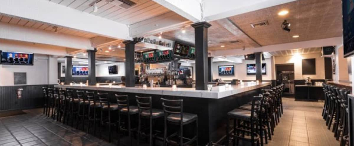 200 seater Modern Bar Restaurant in the heart of Hollywood with own large parking lot in Los Angeles Hero Image in Hollywood, Los Angeles, CA