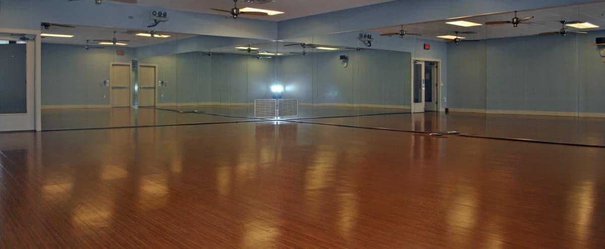 Beautiful Yoga Studio in Scottsdale, AZ next to Whole Foods! in Phoenix Hero Image in Chauncey Ranch, Phoenix, AZ