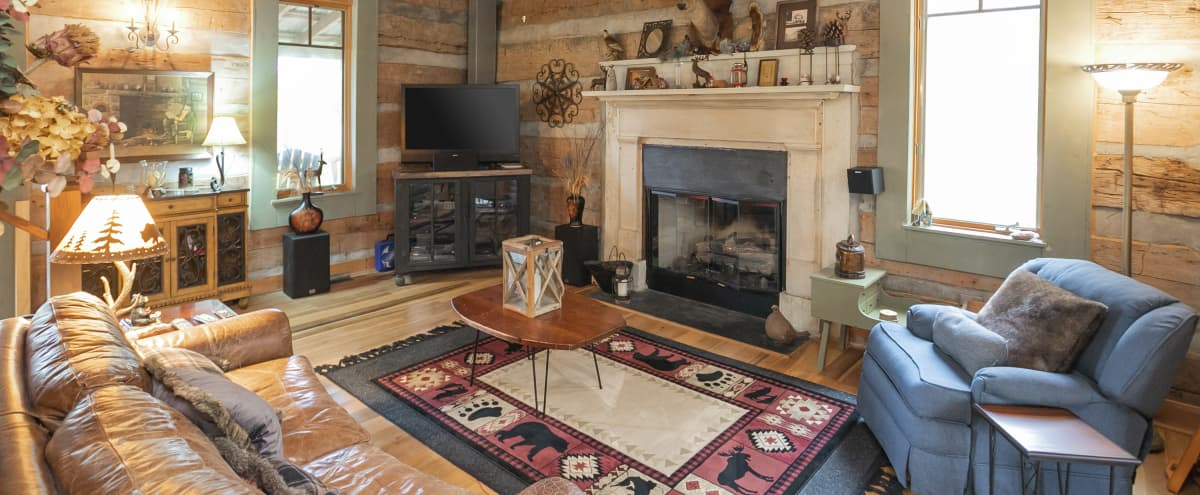 Meeting Retreat: Historic Family Cabin with 270 degree views of Kentucky Lake in Waverly Hero Image in undefined, Waverly, TN