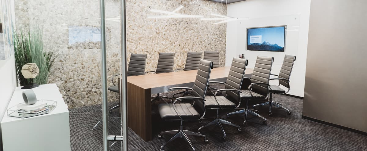 Modern Uptown Meeting & Conference Room For 10 in Dallas Hero Image in Uptown, Dallas, TX