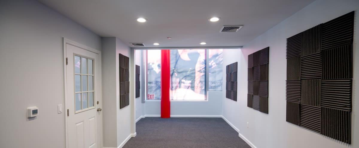 Spacious Uptown Studio in New York Hero Image in Upper East Side, New York, NY