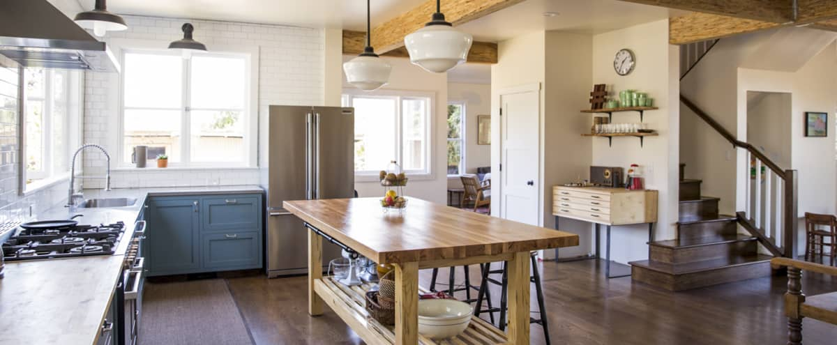 Spacious Oakland Hills Farmhouse in Oakland Hero Image in Redwood Heights, Oakland, CA