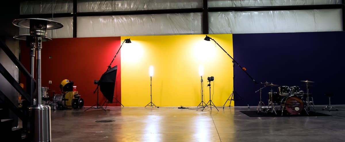 Photography / Video Production Studio in Industrial Warehouse in Markham Hero Image in undefined, Markham, IL