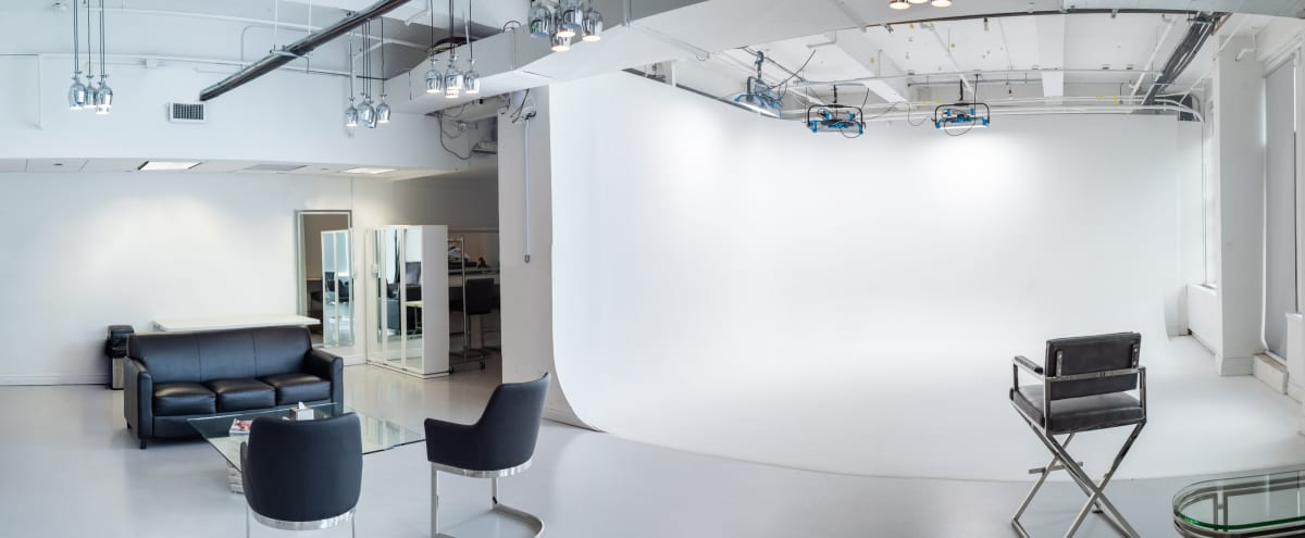 Fully Equipped Studio with Double Cyclorama Wall - Midtown in New York Hero Image in Midtown, New York, NY