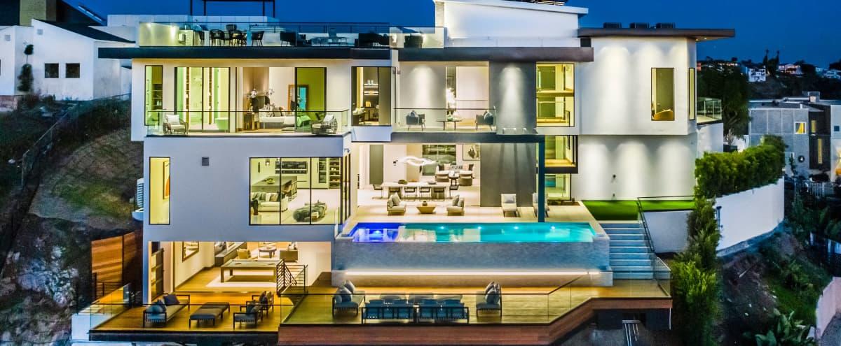 Bel-Air Modern Mansion in Los Angeles Hero Image in Bel Air, Los Angeles, CA