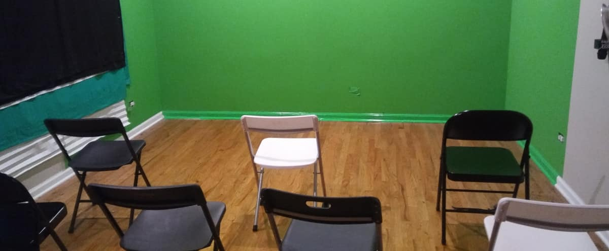 Green Screen Studio for Filming and Photography in Country Club Hills Hero Image in Country Club Hills, Country Club Hills, IL