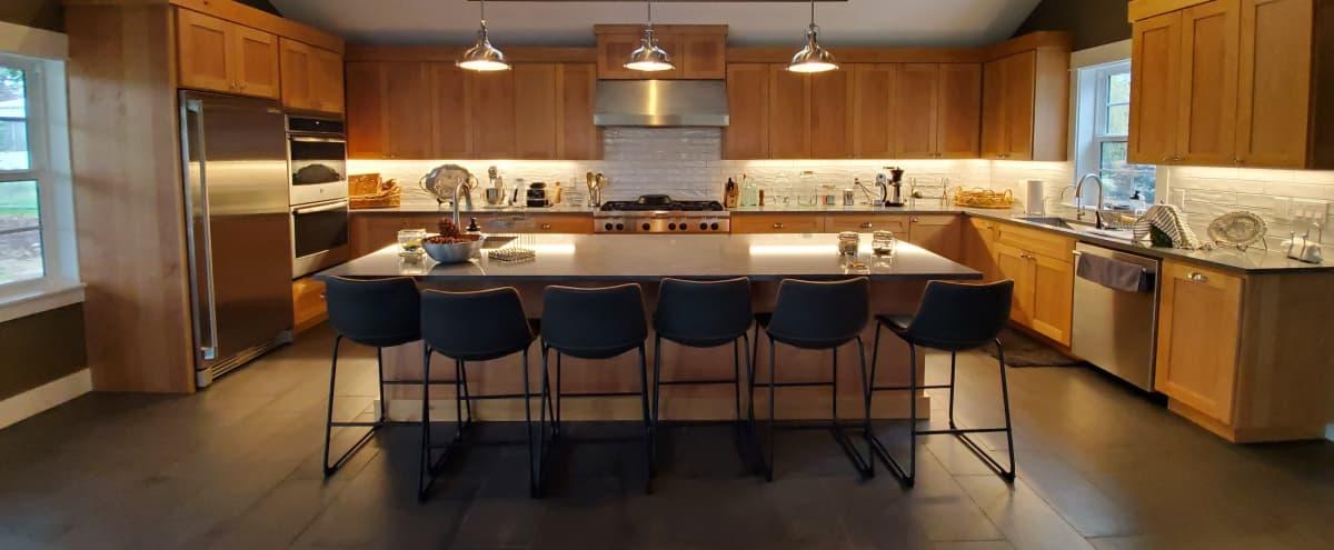 Stunning Film/Photo Location with Chef's Kitchen in Aurora Hero Image in undefined, Aurora, OR