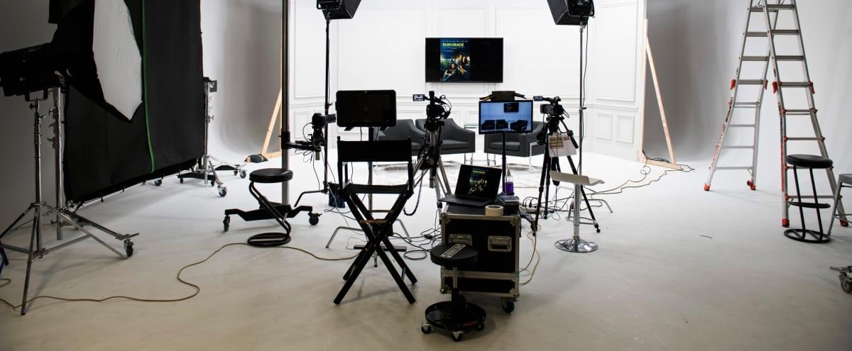 Studio with Large White Cyclorama in Dallas Hero Image in null, Dallas, TX