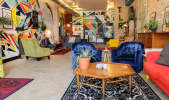 Vintage+urban loft: murals, exposed brick, greenery! in Humboldt Park, Chicago, IL | Peerspace