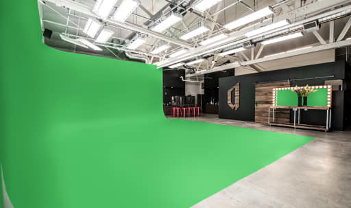 green screen studios in Chicago | Peerspace