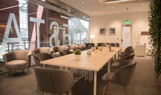 furnished office spaces in Chicago | Peerspace